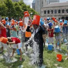 Perché tutti si tirano secchiate d'acqua in testa? | 2night Eventi