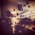 ApeRiver con Michela Andreozzi, Dario Guidi e Vincenzo De Lucia al The Race Club | 2night Eventi Roma
