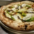 Dove ordinare una pizza salsiccia e friarielli degna di Napoli a Firenze | 2night Eventi Firenze