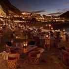 Su una roccia in mezzo al mare di Zanzibar o completamente al buio? Sono i 10 ristoranti più strani al mondo | 2night Eventi