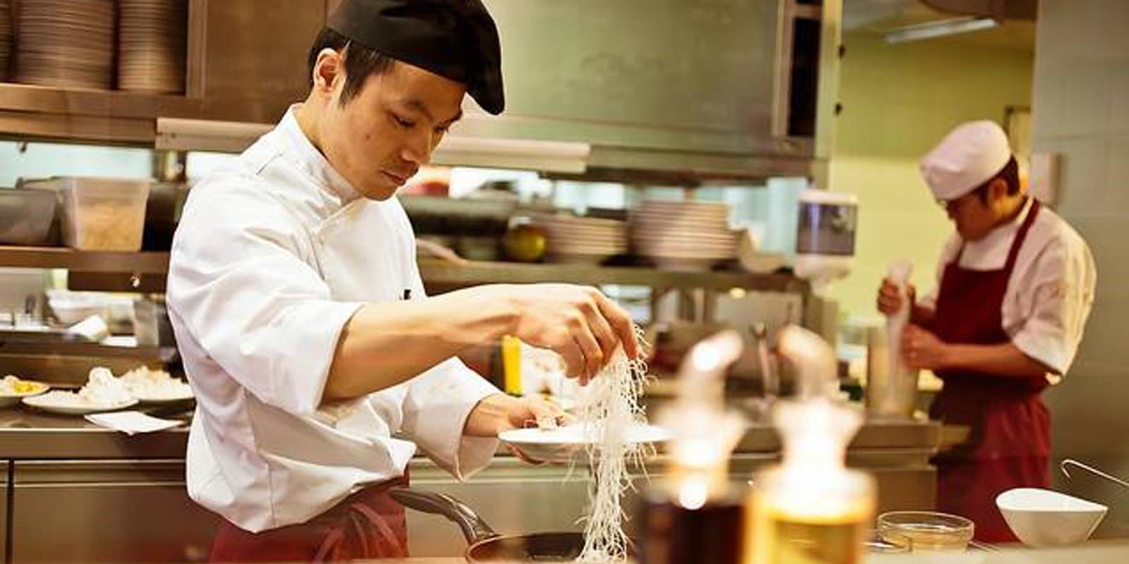 Dal Vietnam A Singapore: 5 Ristoranti Per Conoscere La Migliore Cucina  Asiatica