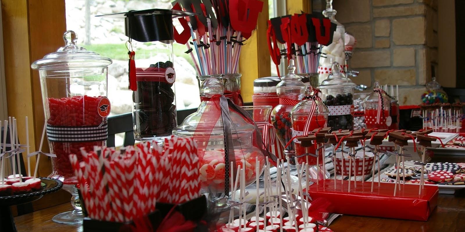5 locali di napoli dove brindare alla festa di laurea for Idee per addobbare festa di laurea