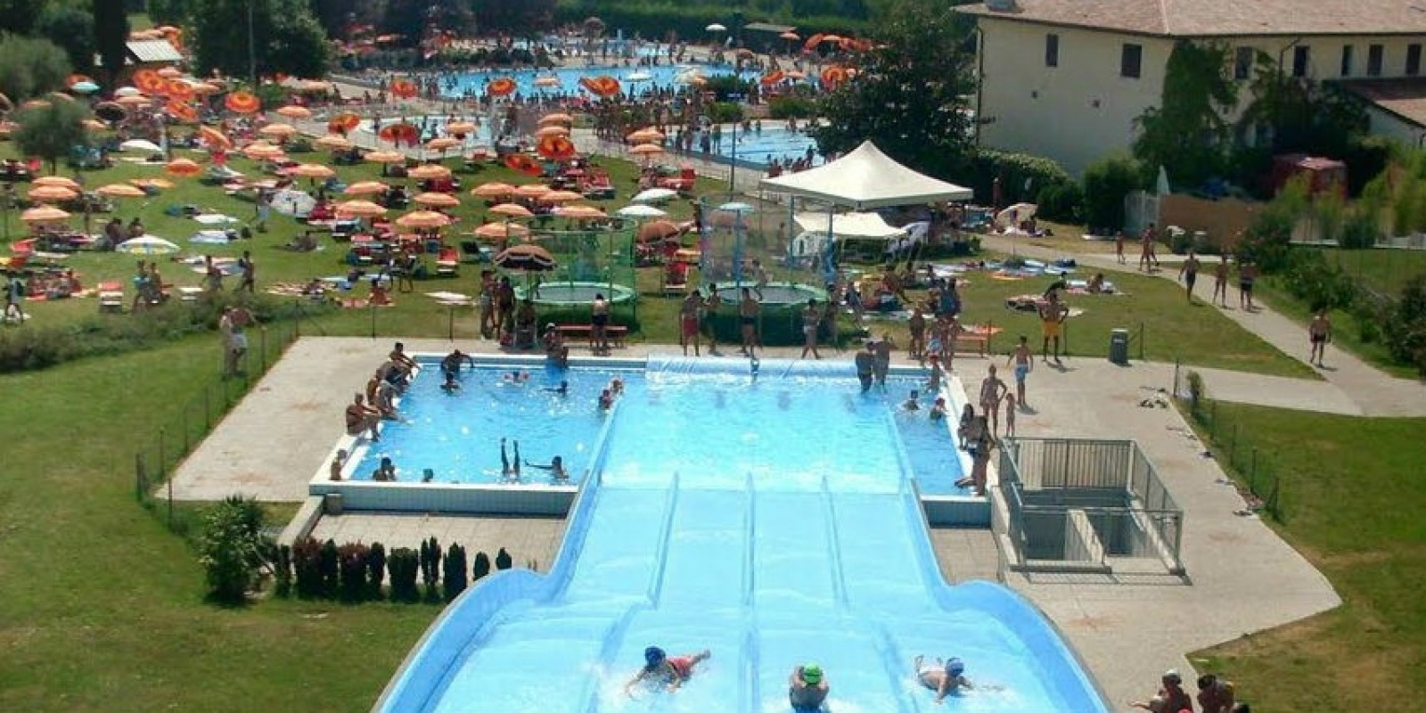 Estate 2015 le piscine all 39 aperto a treviso e provincia for Conca verde piscine