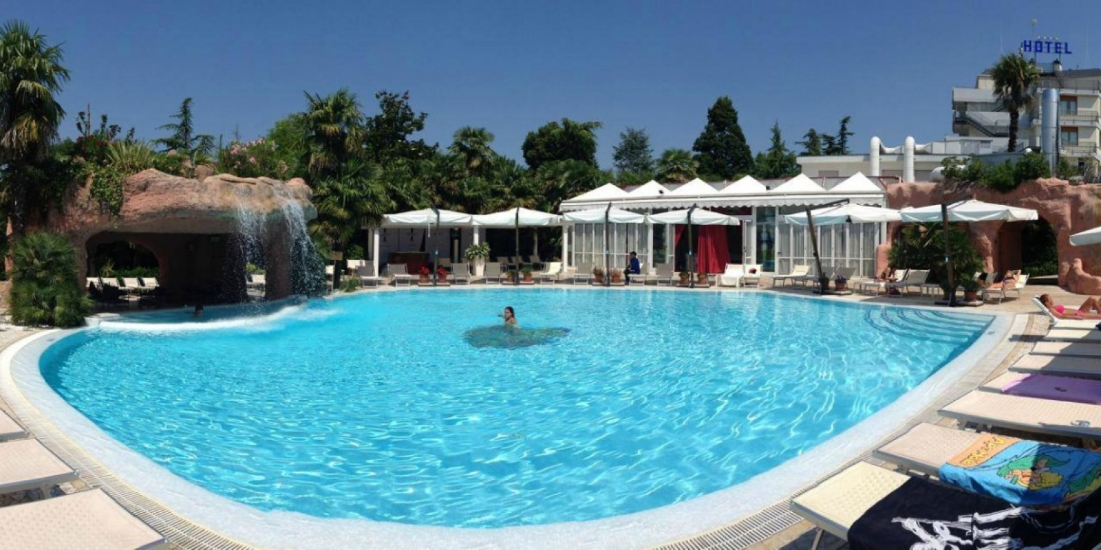 Estate 2015 le piscine all 39 aperto a treviso e provincia for Borso del grappa piscine