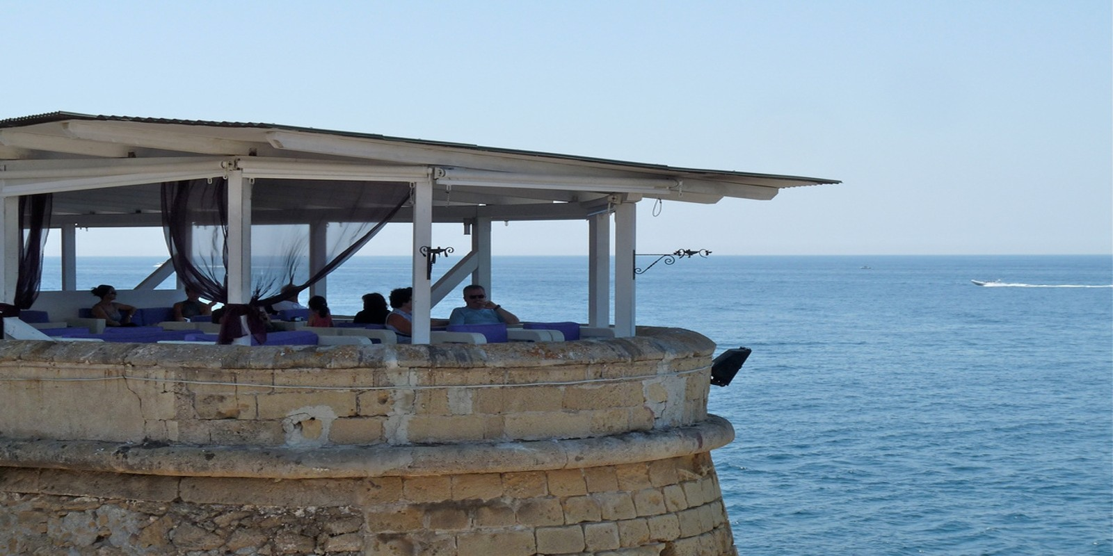 I locali di gallipoli con vista mare che ti consiglio - La finestra sul mare gallipoli ...