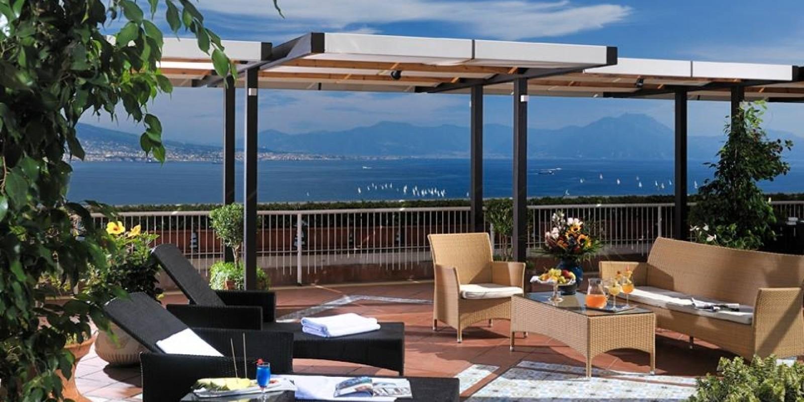 6 ristoranti con terrazza a Napoli con panorami mozzafiato
