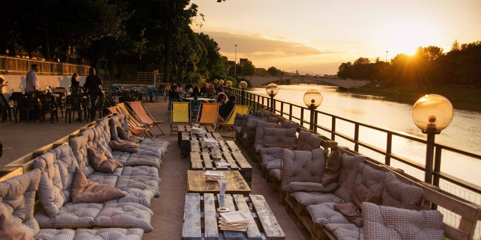 La terrazza dell\'estate 2018 a Firenze è quella del Rari Bistrot