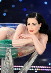 Party Burlesque In Italia | 2night Eventi