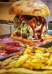 I Migliori Hamburger Giganti Di Roma. Solo I Palati Più Allenati Ci Riusciranno | 2night Eventi Roma
