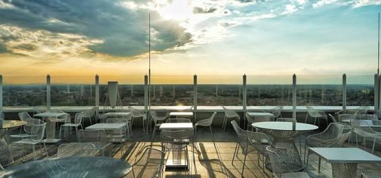 Yoga Sun Salutation sulla terrazza della HTM Hybrid Tower   2night ...