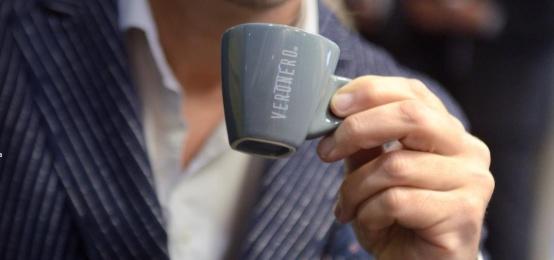Bere il caffè è un'arte internazionale. Scoprilo al Veronero Caffè