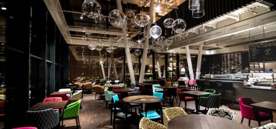 All'Aki Restaurant e Blind Spot si festeggia il primo compleanno