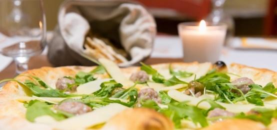 All'angolo della gastronomia c'è  il Friday's pizza!