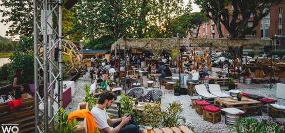 Drink, tapas e musica al tramonto in riva all'Arno: l'Aperisunset di Wood Music Garden