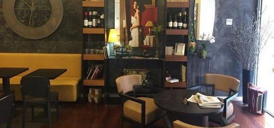 Un posto consigliato per l'aperitivo: il Bar Monti di Roma