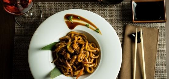 Il pranzo che si fa speciale col sushi a Torre a Mare