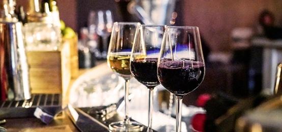 Wine Tasting da Dome: il primo appuntamento con la Tenuta Borgo la Caccia