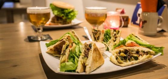 Finalmente è Lunedì! La serata speciale club sandwich al Mezza Pinta