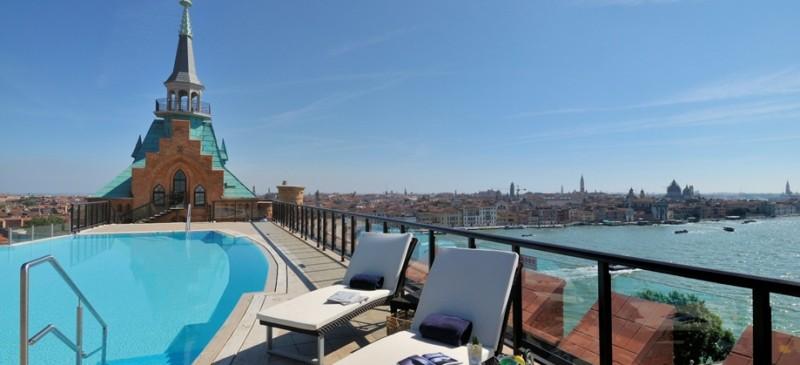 piscina skyline hilton