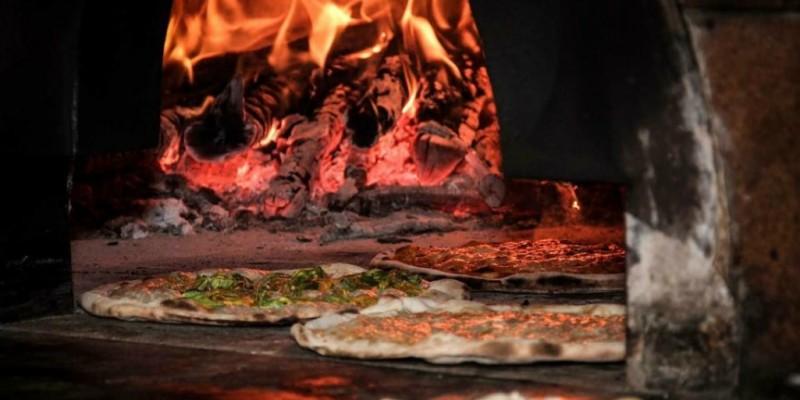5 pizze in forno a legna che ti faranno dire addio alla margherita
