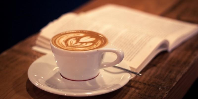 Scambiarsi libri bevendo un macchiato: i caffè di Treviso per intellettuali