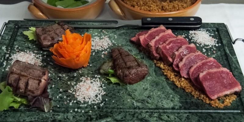 Stufo della solita bistecca? Ecco 5 locali in provincia di Treviso dove mangiare la carne in modo speciale