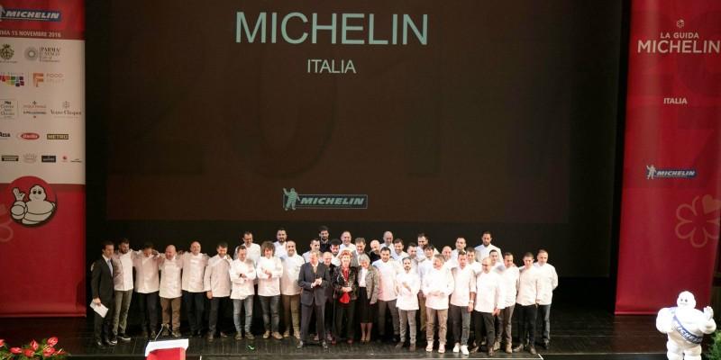 Guida Michelin 2018: un nuovo tre stelle, 22 nuovi ristoranti stellati (e Cracco e Sadler ne hanno persa una)