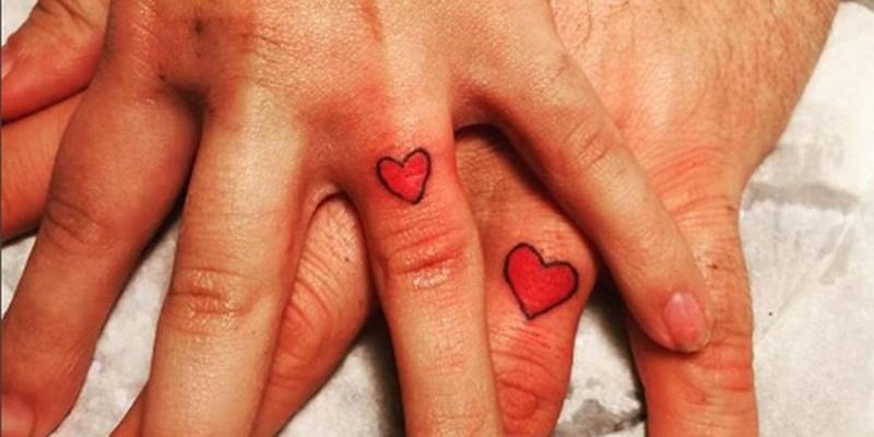 Digli ti amo con un tattoo: 10 tatuaggi di coppia da copiare (subito)