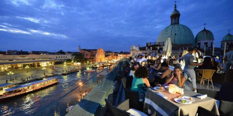 I rooftop bar più spettacolari del Veneto