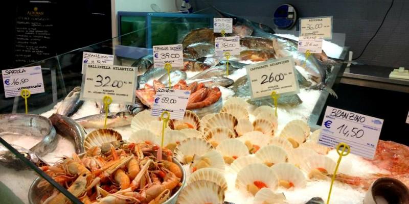 Dietro la Stazione Centrale per provare se davvero a Milano si mangia il pesce più fresco d'Italia