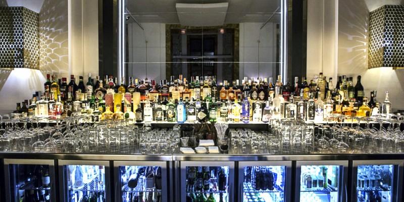 Chorus: dove l'eleganza pulita del luogo si sposa al divertissement della cucina e del bar di qualità