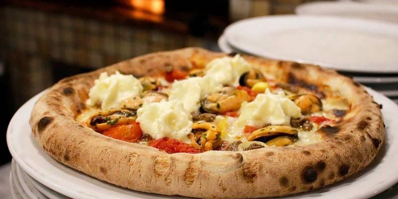 Chi ama la pizza deve passare da qui, a Verona e dintorni