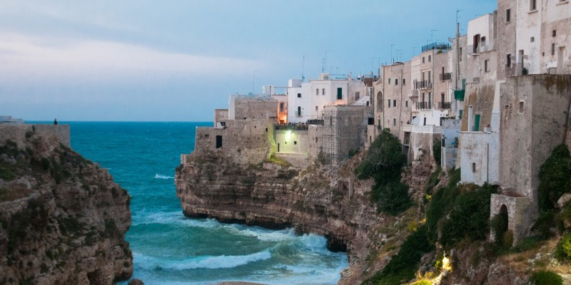 polignano a mare puglia foto di antonello da flickr in cc https://www.flickr.com/photos/jayant81/9573628948