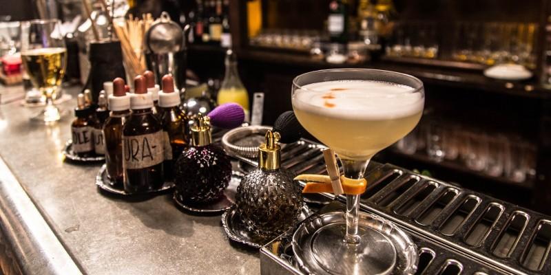I cocktail bar che non puoi non conoscere a Trastevere