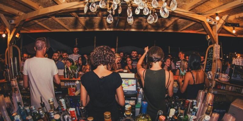 Chioschi estivi a Firenze, cocktail e street food per un'estate senza troppe pretese