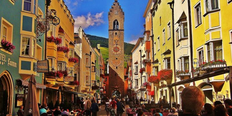 I 10 borghi più felici d'Italia sono anche molto belli