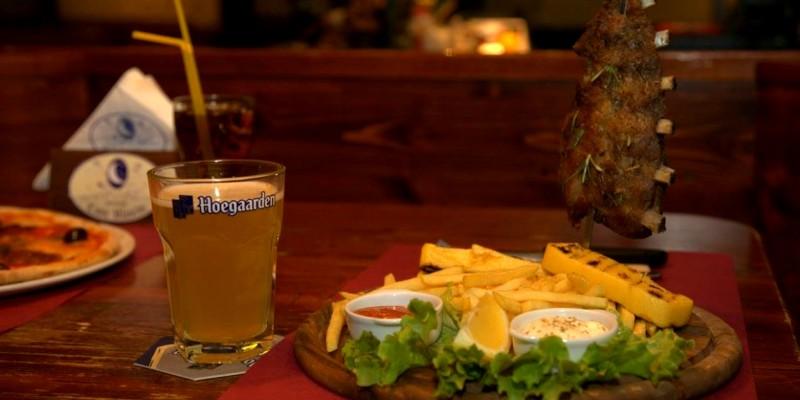 Pub o ristorante? Pizza o steak-house? 10 locali a Treviso e provincia dove non mangi solo patatine fritte