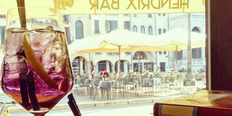 Piazze, ghetto, spunciotti e spritz: i locali dove fare l'aperitivo in centro a Padova