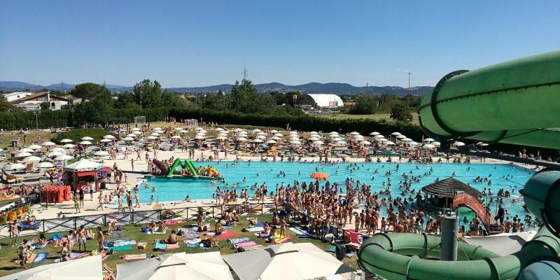 8 piscine all'aperto di Firenze per non sentire la mancanza del mare