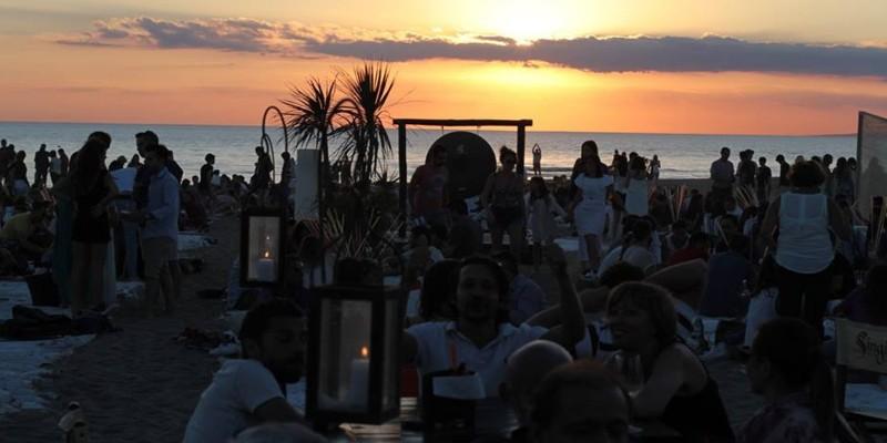 Ti consiglio 7 discoteche estive sul litorale romano
