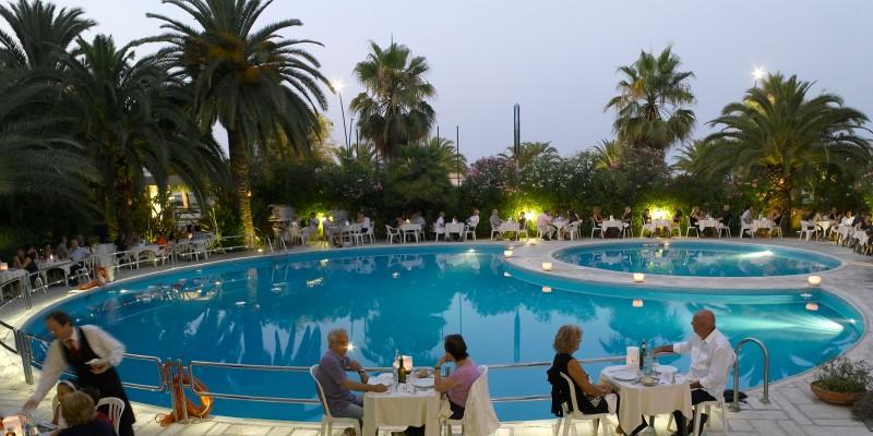 Dove mangiare a bordo piscina a Brescia e dintorni