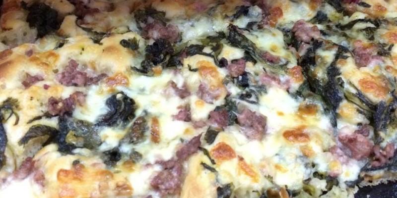 Dove mangiare le migliori pizze con salsiccia e friarielli di Napoli