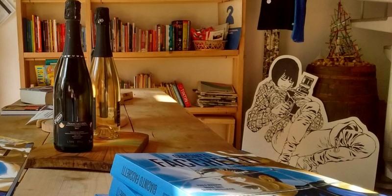 Caffè letterari contemporanei: gli indirizzi da non perdere a Milano