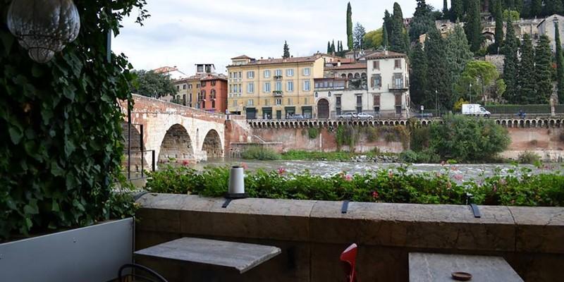 7 locali dove mangiare all'aperto a Verona e dintorni