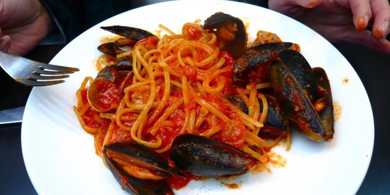Primi piatti di pesce a Firenze, la rivincita dello spaghetto allo scoglio sulla ribollita