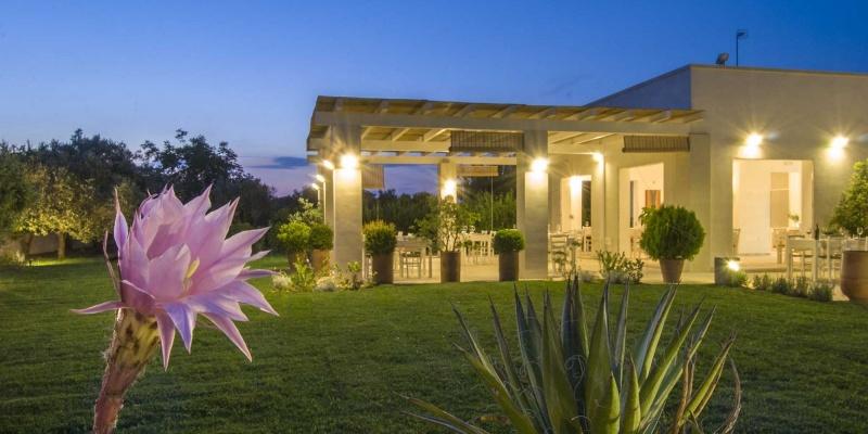 I 10 posti in cui cenare in giardino per questa fine estate in Salento