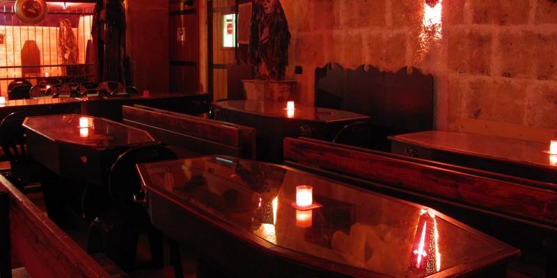6 locali a tema di Bari e Barletta che ti fanno sentire come in un film