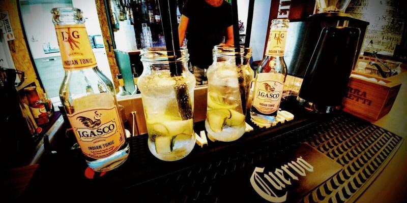 10 locali dove ordinare i migliori cocktail a base di gin, a Verona e provincia