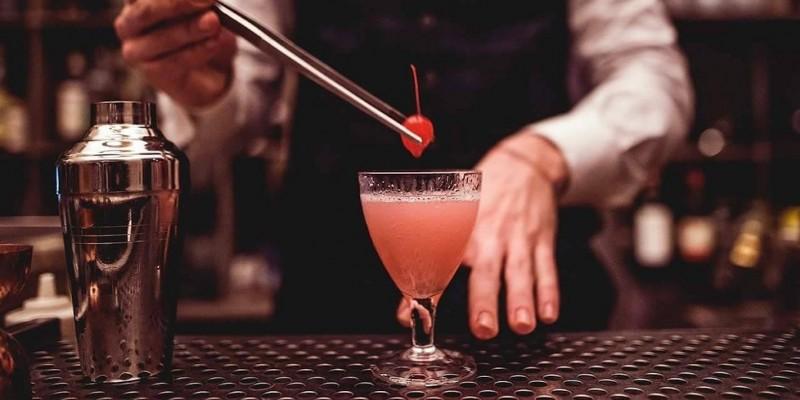 I migliori bartender di Firenze, così la sera non sbagli un cocktail