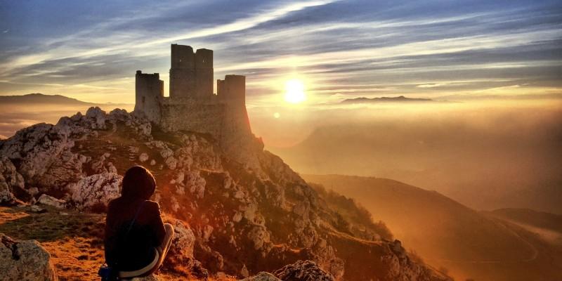 Romantici e suggestivi, ecco 5 castelli da visitare in Abruzzo